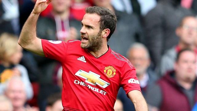 """Từ chối Barcelona, Juan Mata """"trói chân"""" cùng MU - 1"""