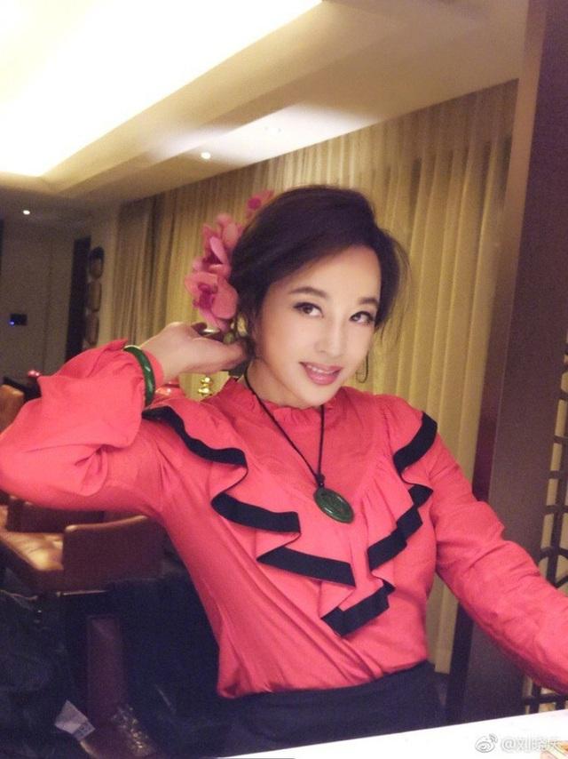 Gương mặt ngày càng cứng đơ tới khó hiểu của mỹ nhân Lưu Hiểu Khánh - 16