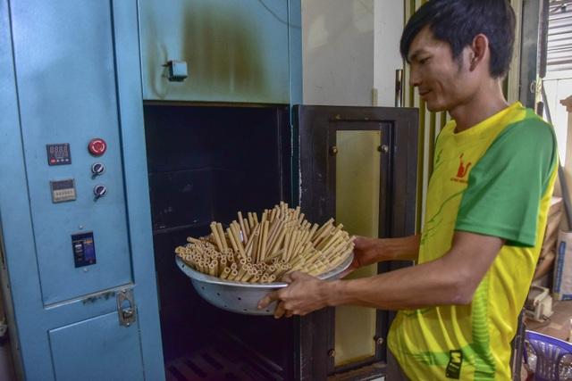 Mục sở thị quy trình làm ống hút tre xuất khẩu mang về tiền tỷ mỗi tháng  của 8X Việt - 12