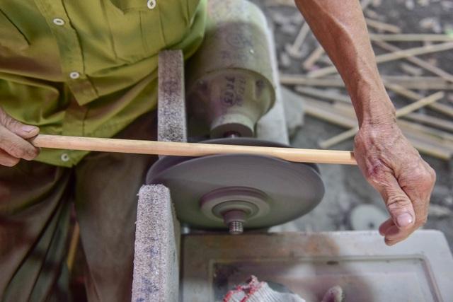 Mục sở thị quy trình làm ống hút tre xuất khẩu mang về tiền tỷ mỗi tháng  của 8X Việt - 3