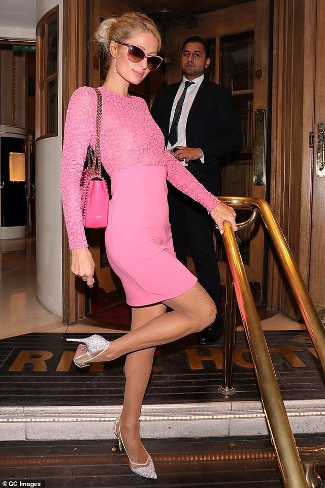 Kinh doanhthành công, Paris Hilton ra mắt dòng sàn phẩm thời trang mới - 2