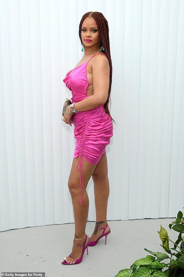 Rihanna tăng cân vẫn xinh đẹp - 1