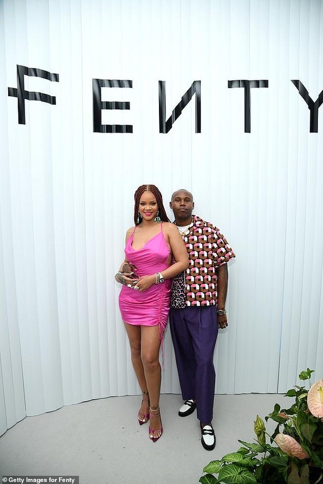 Rihanna tăng cân vẫn xinh đẹp - 8