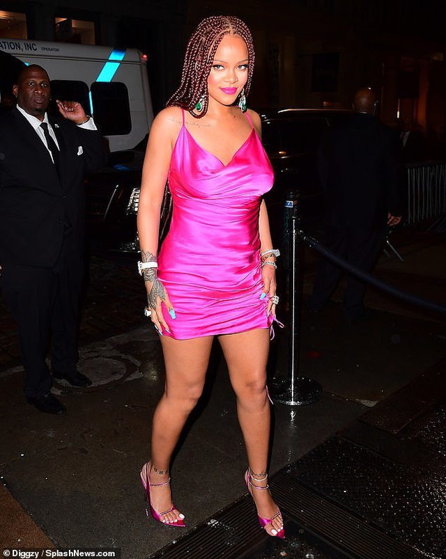 Rihanna tăng cân vẫn xinh đẹp - 6