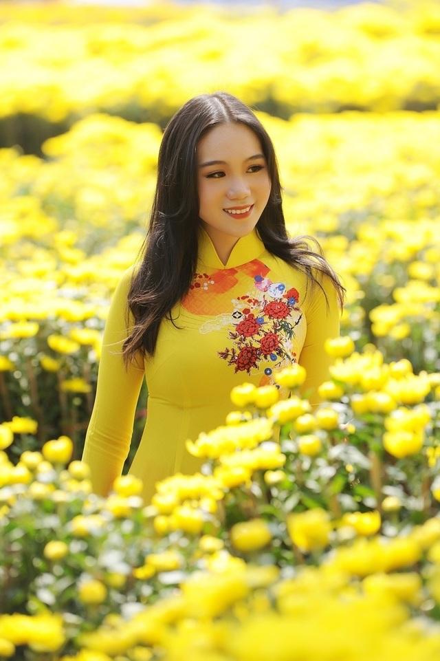 Những cô con gái tài năng, xinh đẹp, nói tiếng Anh như gió của sao Việt - 16