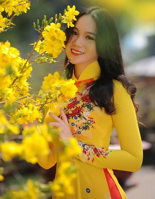 Những cô con gái tài năng, xinh đẹp, nói tiếng Anh như gió của sao Việt - 15