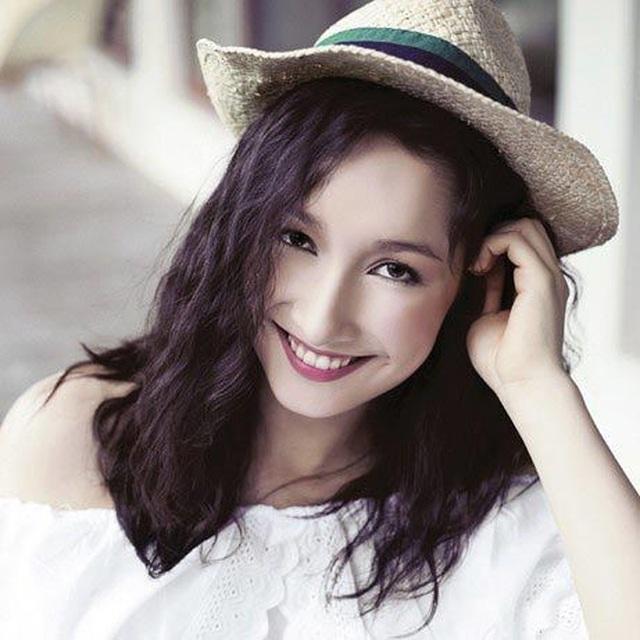 Những cô con gái tài năng, xinh đẹp, nói tiếng Anh như gió của sao Việt - 6