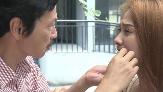 """""""Về nhà đi con"""": Khán giả tranh cãi kịch liệt khi Dương si mê ông Quốc - 4"""
