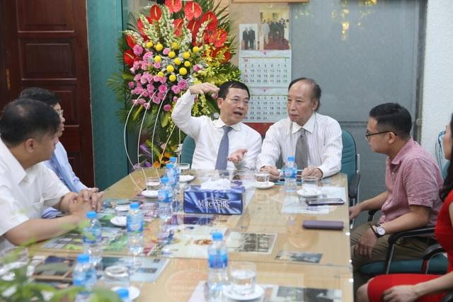 Bộ trưởng Nguyễn Mạnh Hùng: Báo Dân trí chắc chắn chỉ tốt lên! - 4
