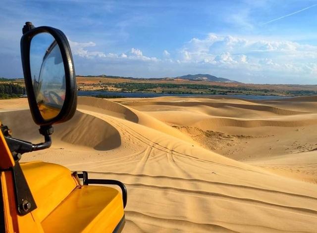 """Khám phá Bàu Trắng – nơi được mệnh danh là """"sa mạc Sahara ở Việt Nam"""" - 4"""