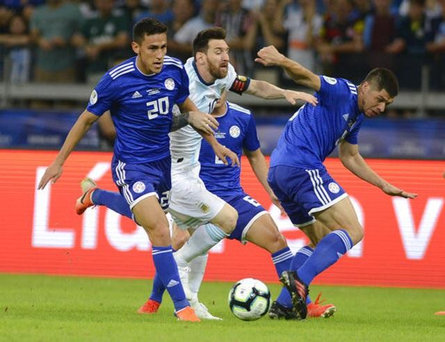 Messi ghi bàn, Argentina may mắn thoát thua Paraguay - 1