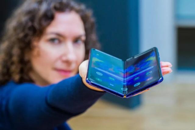 CEO Samsung thừa nhận sai lầm với smartphone màn hình gập Galaxy Fold - 1