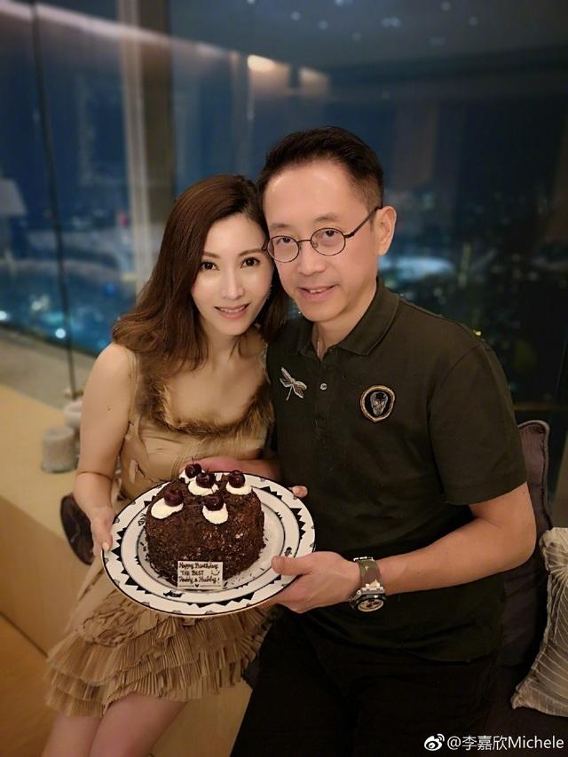 Hoa hậu Lý Gia Hân trẻ đẹp đáng ngưỡng mộ ở tuổi 49 - 6