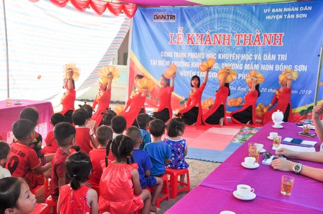 Phòng học Dân trí thứ 24 ra đời, tiếp tục nâng cánh ước mơ trẻ em vùng sâu, vùng xa - 15