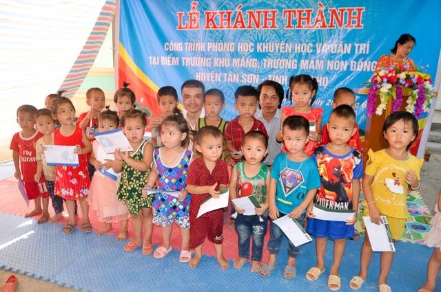 Phòng học Dân trí thứ 24 ra đời, tiếp tục nâng cánh ước mơ trẻ em vùng sâu, vùng xa - 22