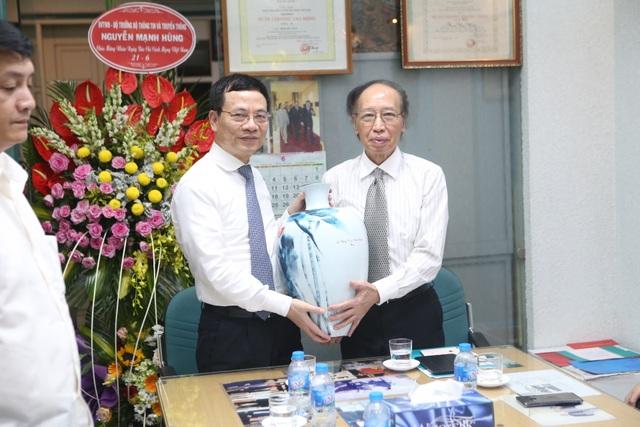 Bộ trưởng Nguyễn Mạnh Hùng: Báo Dân trí chắc chắn chỉ tốt lên! - 3