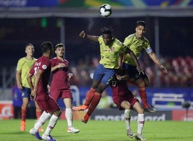 Colombia 1-0 Qatar: Nhà vô địch châu Á gục ngã phút cuối - 4
