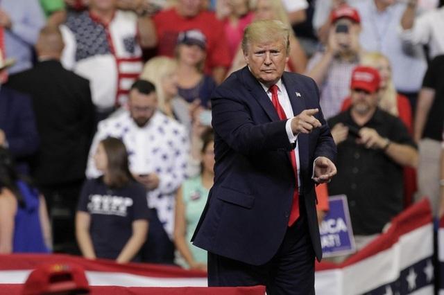 Trump chuyển từ chiến tranh thương mại sang chiến tranh tiền tệ - 1