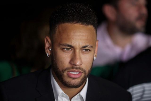 """Cảnh sát tịch thu camera an ninh tại hiện trường Neymar bị """"tố"""" hiếp dâm - 1"""