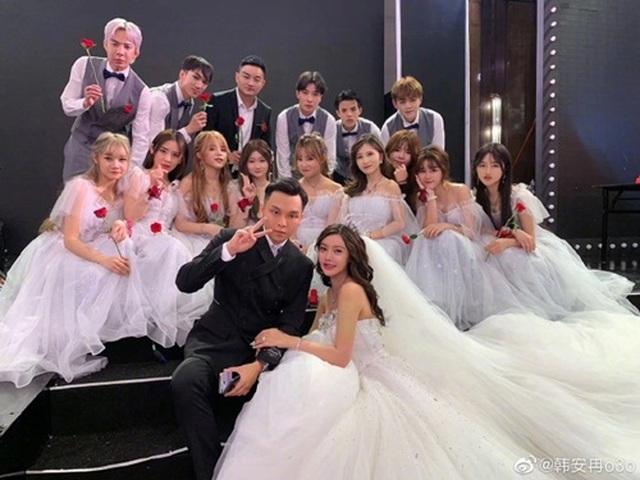 Dàn hot girl đình đám lộ mặt thật trong đám cưới khiến dân tình hốt hoảng - 9