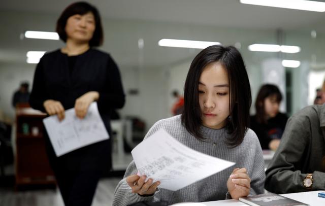 Nhật Bản: Chiến dịch kêu gọi bãi bỏ quy định tóc thẳng, màu đen ở học sinh - 1
