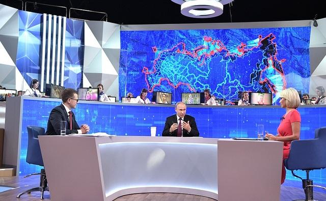 Những khoảnh khắc hài hước của ông Putin khi đối thoại 4 giờ với người Nga - 4