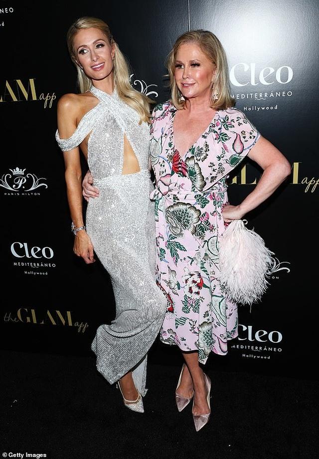 Paris Hilton xinh đẹp và trẻ trung ở tuổi 38 - 3