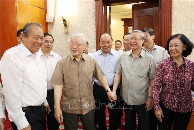 Tổng Bí thư, Chủ tịch nước họp Bộ Chính trị, xem xét công tác nhân sự - 3
