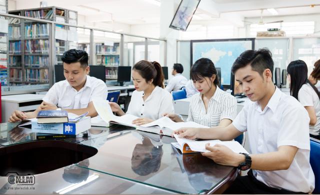 Trường Đại học Mở TP.HCM tuyển dụng tháng 6-2019 - 1