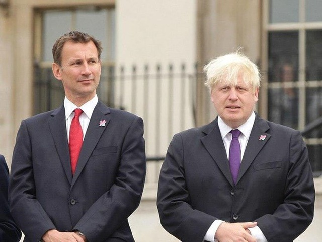 Chiếc ghế Thủ tướng Anh gọi tên hai ứng viên cuối cùng - 1