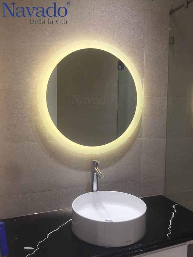 10 mẫu gương trang trí phòng tắm đẹp miễn chê khiến bạn cảm thấy bối rối - 2