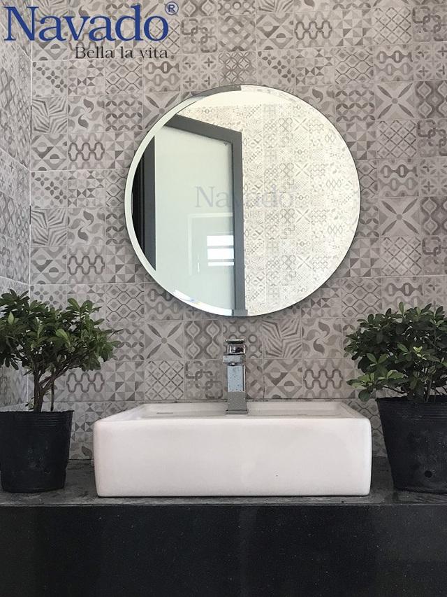 10 mẫu gương trang trí phòng tắm đẹp miễn chê khiến bạn cảm thấy bối rối - 4