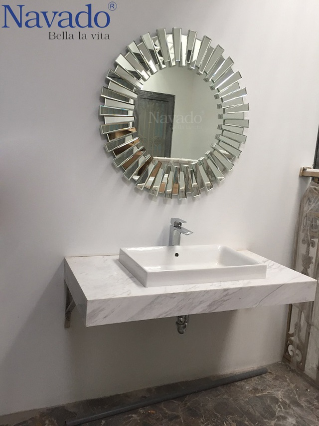 10 mẫu gương trang trí phòng tắm đẹp miễn chê khiến bạn cảm thấy bối rối - 5