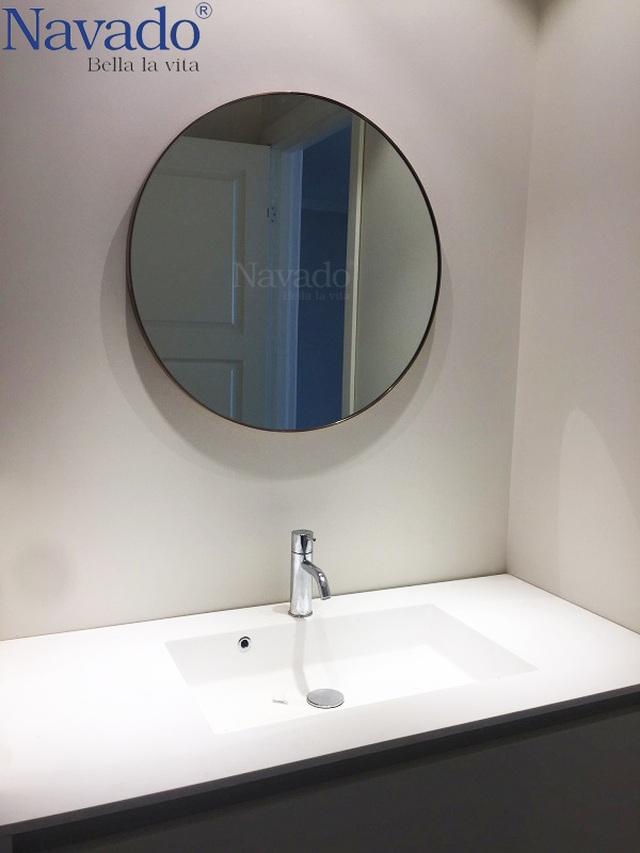 10 mẫu gương trang trí phòng tắm đẹp miễn chê khiến bạn cảm thấy bối rối - 6