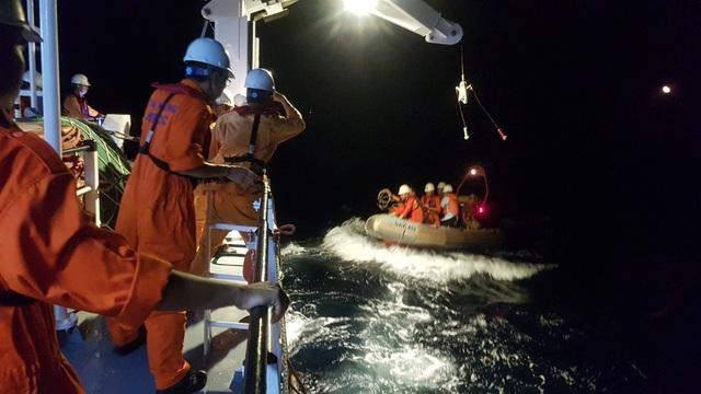 Cấp cứu khẩn cấp thuyền viên bị tai nạn lao động khiến máu chảy xối xả ở đầu, hôn mê - 1