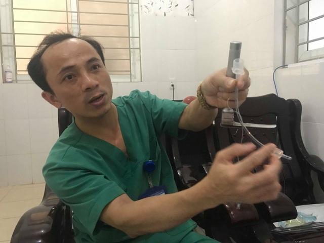 Lời kể của bác sỹ về 7 phút sinh tử cứu cháu bé hóc thạch từ cõi chết trở về - 1