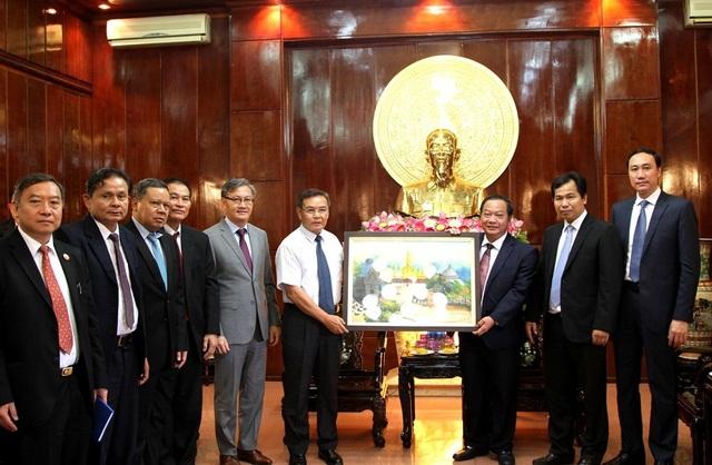 Việt Nam sẵn sàng chia sẻ với Lào kinh nghiệm quý báu trong phát triển nông nghiệp - 2