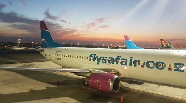 Máy bay hủy cất cánh vì lý do kinh hoàng - thai nhi tắc trong bồn cầu - 1