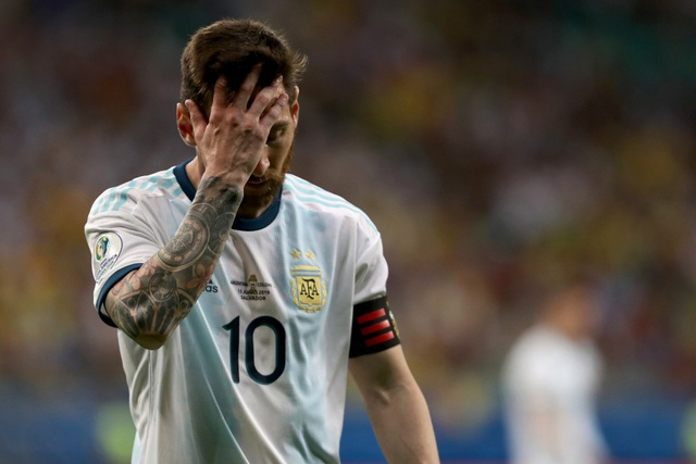 """Huyền thoại Argentina: """"Messi nên từ giã đội tuyển"""" - 1"""