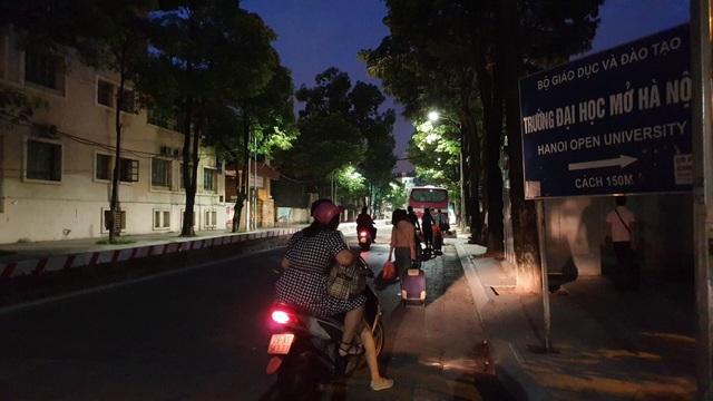 Giảng viên đại học rời Hà Nội từ 4h sáng lên đường làm nhiệm vụ thi - 7
