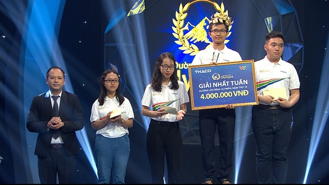 Nam sinh Gia Lai có tên lạ chiến thắng thuyết phục ở cuộc thi Tuần Olympia - 4