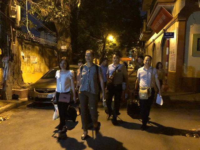 Giảng viên đại học rời Hà Nội từ 4h sáng lên đường làm nhiệm vụ thi - 3