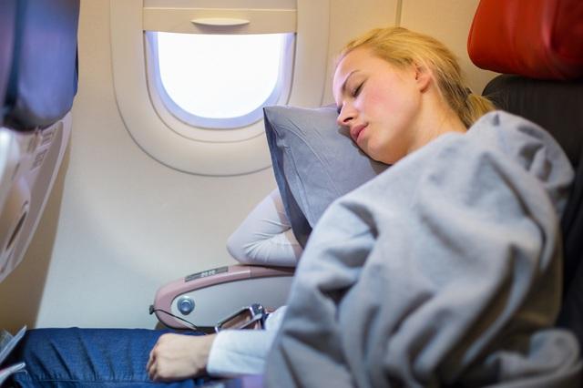 """""""Cơn ác mộng ám ảnh"""" của hành khách bị bỏ quên một mình trên máy bay - 2"""