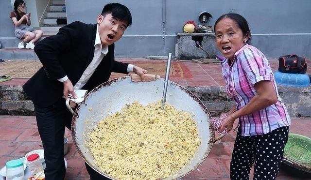 """Bà Tân """"vê lốc"""" lần đầu lên truyền hình sau khi lập kỉ lục Guiness Việt Nam - 4"""