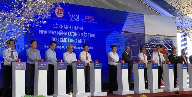 Long An: Nhà máy điện mặt trời hơn 1000 tỉ đồng đi vào hoạt động - 1