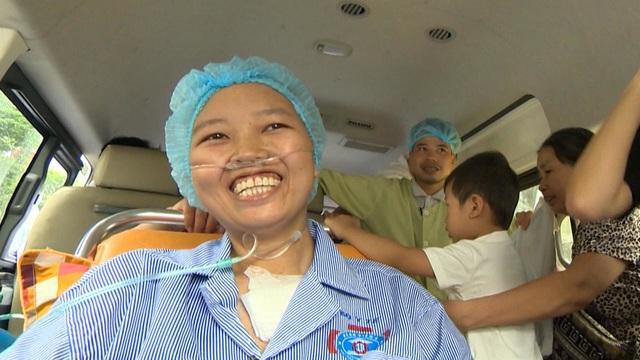 BTV Diệp Chi xúc động kể về hành trình gặp lại con của người mẹ ung thư giai đoạn cuối - 1