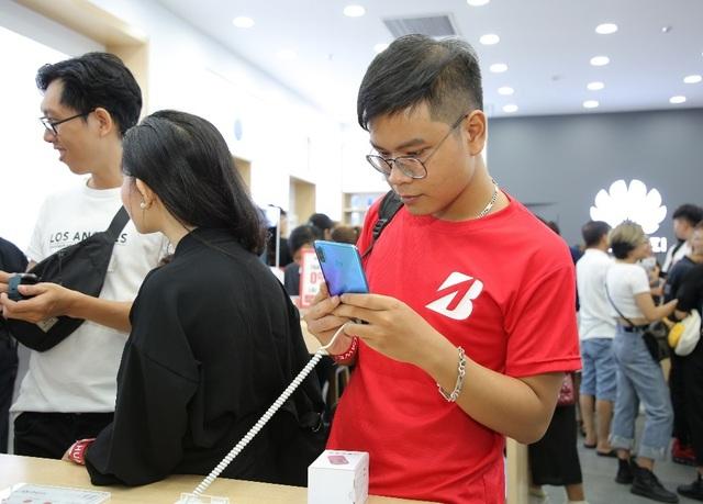 Huawei khai trương cửa hàng thứ 6, thể hiện cam kết phát triển lâu dài tại Việt Nam - 2