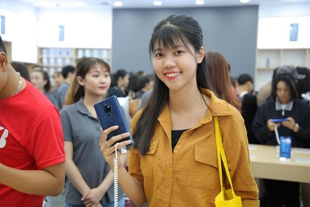 Huawei khai trương cửa hàng thứ 6, thể hiện cam kết phát triển lâu dài tại Việt Nam - 4