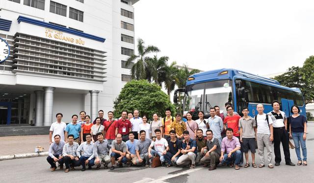 Hơn 800 giảng viên trường ĐH Bách Khoa HN đến Thanh Hóa coi thi - 13