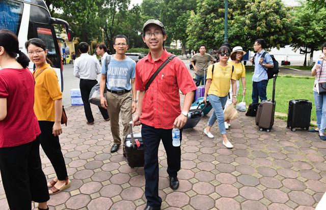 Hơn 800 giảng viên trường ĐH Bách Khoa HN đến Thanh Hóa coi thi - 10